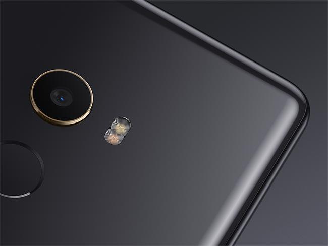 Xiaomi Mi MIX 2 Review: Flagship Killer