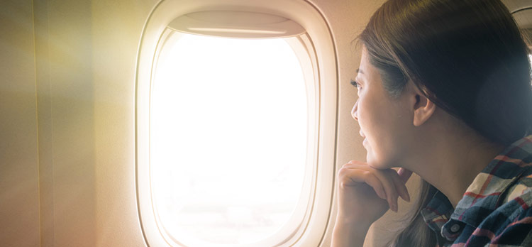 With 10 Short Words, This Airline Passenger Taught an Incredible Lesson in Emotional Intelligence, as She Persuaded a Plane Full of People to Support Her