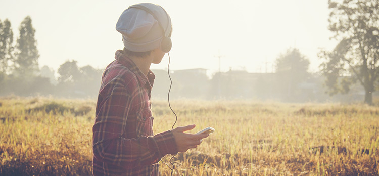 Workday Blues? Science Says Music Can Help Beat It