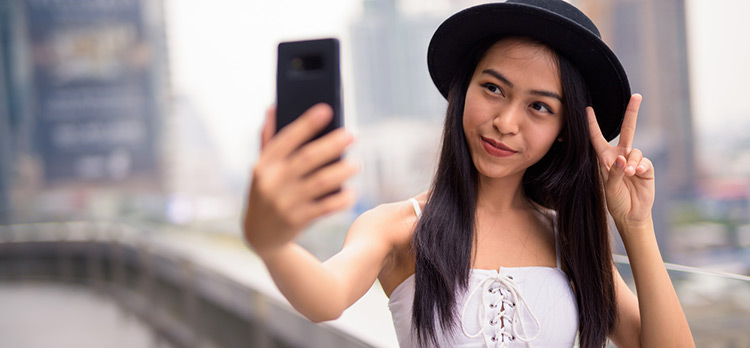 Are Facebook, Instagram and Twitter Good for Teenagers? It's Complicated